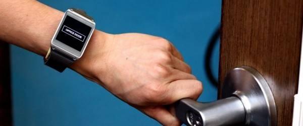 em-sense-smartwatch-disney-2