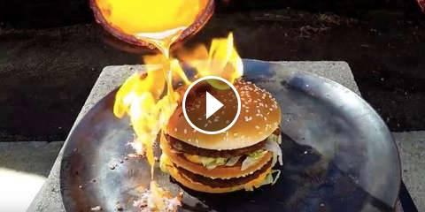 Un Big Mac Resiste a del Rame Sciolto a 1085 Gradi!