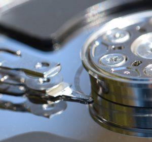 Usare i software di recupero dati in caso di problemi.