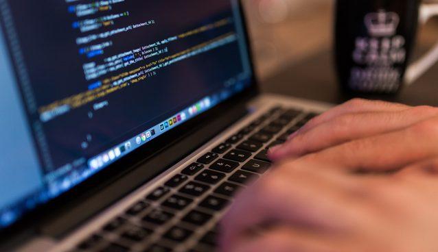 Sviluppatore web: chi è e come formarsi per diventarlo